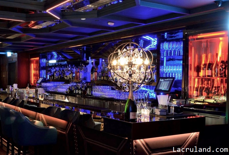 Lounge-lease-in-pottinger-street- Spacious bar area and luxurious private VIP room– Lacruland.com